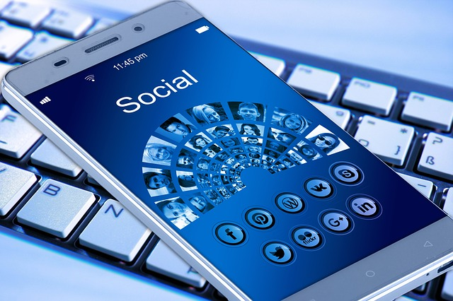 pixabay mobile-phone-1917737