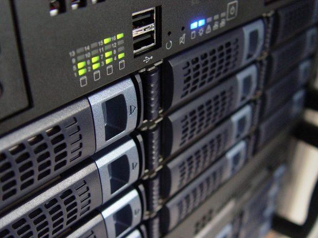 pixabay-servers-technology-1587673_640